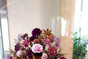 記事「秋のお花で皆様をお迎えします」の画像