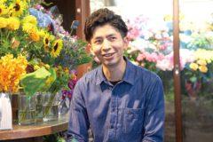 記事「祈りのひと時を清々しい花たちで支える」の画像